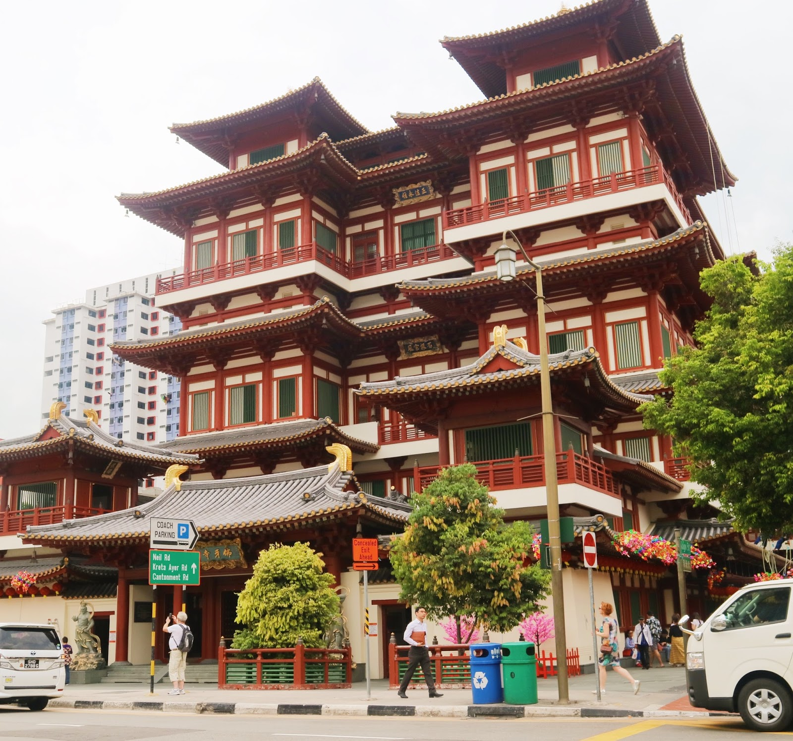 Buddha Tooth Relic Temple - Singapore Chinatown