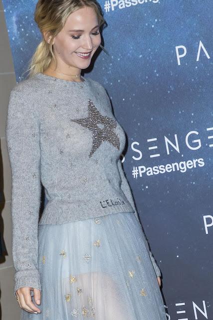 Jennifer Lawrence – 'Passengers' Photocall in Paris