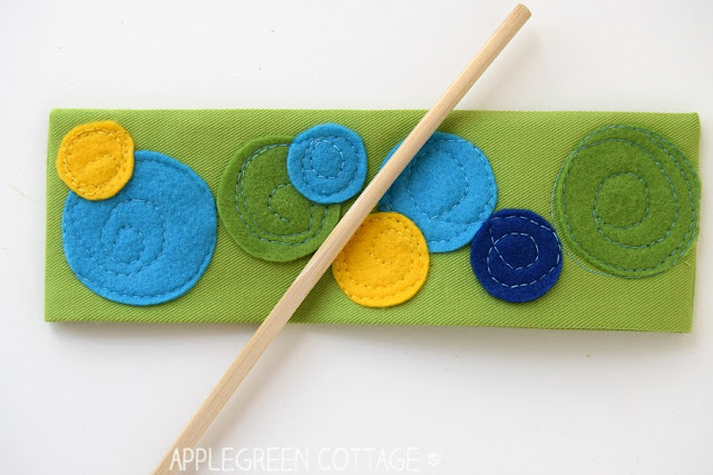 Sew a fabric bookmark with felt