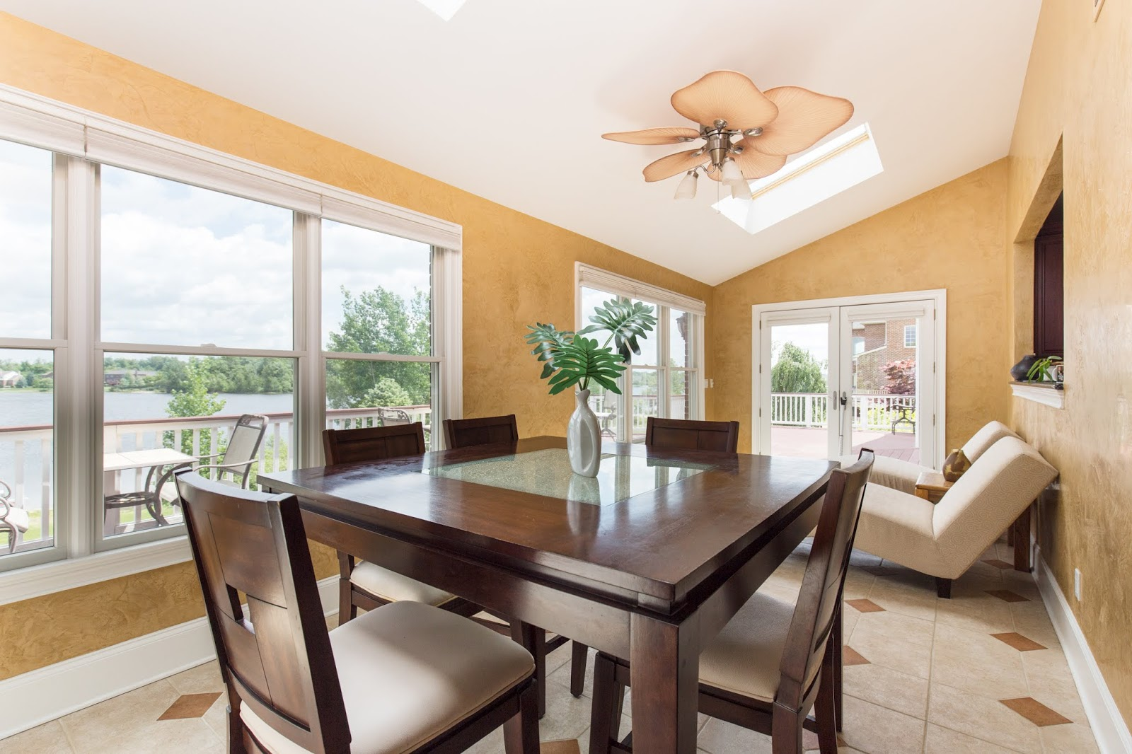 Interior real estate photographer Northville, Canton, Novi, Farmington Hills, Plymouth