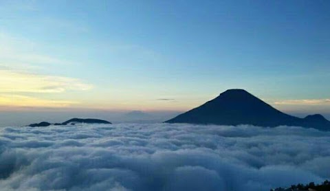 Sunrise from Dieng