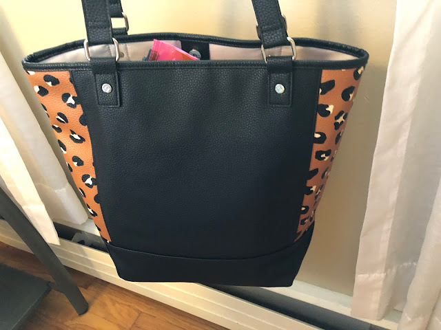 Leopard Print thirty one tote bag