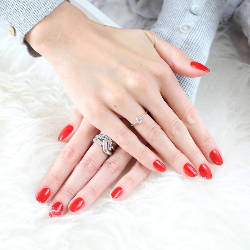 neonail_sexy_red_blog