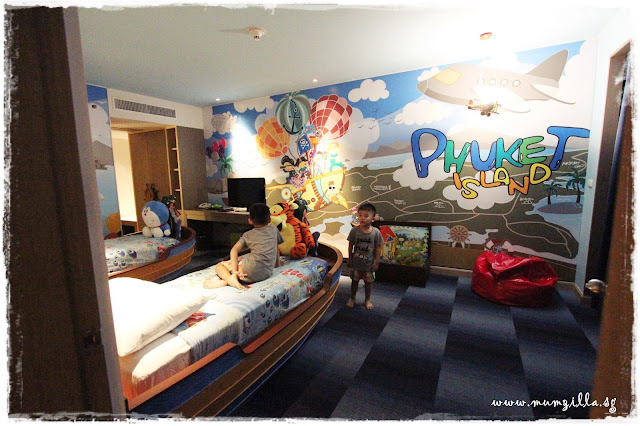 holiday day inn phuket kids room