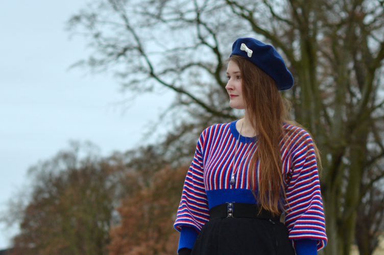 tonak beret, georgiana quaint, tricolour sweater, vintage sweater, how to style statement piece, basic items with statement piece