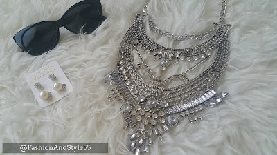 Review: Happiness Boutique Glamorous Over The Top Statement Necklace