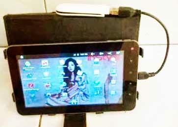 Vandroid T2Ci dengan akses modem
