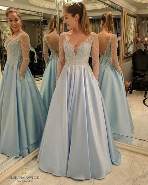 vestido de festa longo azul com saia ampla