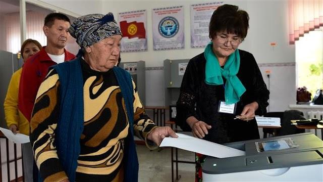 Kyrgyz President Almazbek Atambayev's chosen successor Sooronbay Jeenbekov leads in presidential election
