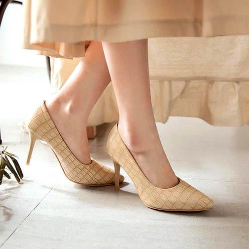 Comfortable Shoes Ladies ini bisa membuat tampilan penggunanya berbeda