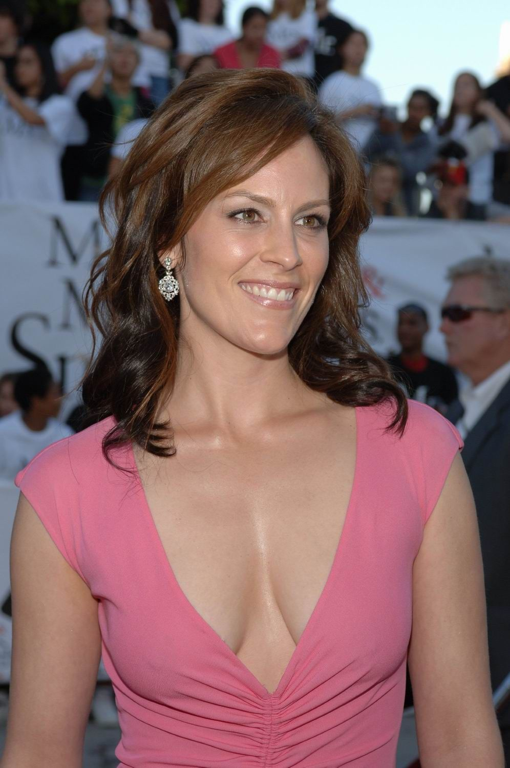 Annabeth Gish Nude Photos 20
