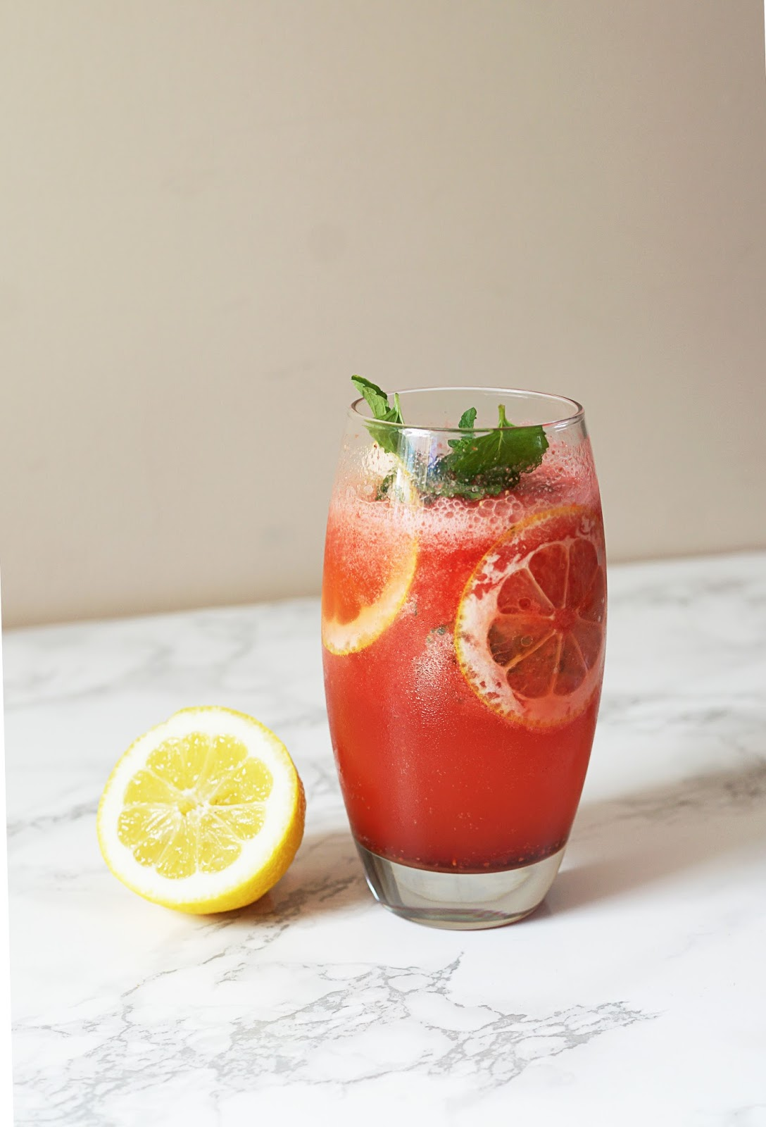 strawberry-mint-cooler-summer-drinks-recipes-non-alcoholic