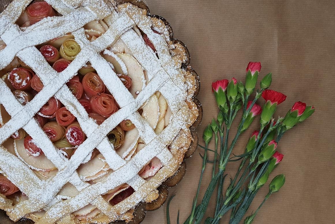 Wiosenna tarta z rabarbarem
