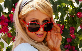 Paris Hilton in Red Flame Big Lenses Sunglasses HD Wallpaper