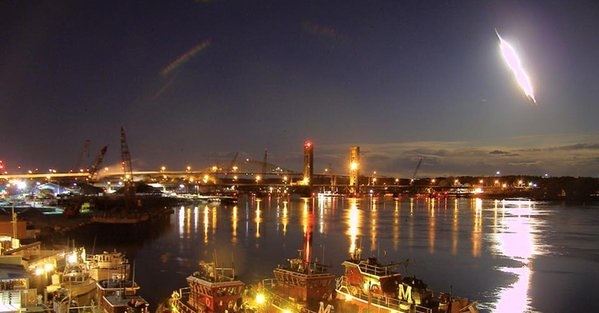A live webcam trained on the Portsmouth Harbor caught the moment a fireball streaked over the Piscataqua River in New Hampshire. Credit: Mike McCormack / portsmouthwebcam.com