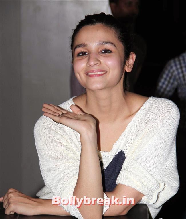 Alia Bhatt, Alia Bhatt, Sonakshi Sinha at Special Screening of 2 States