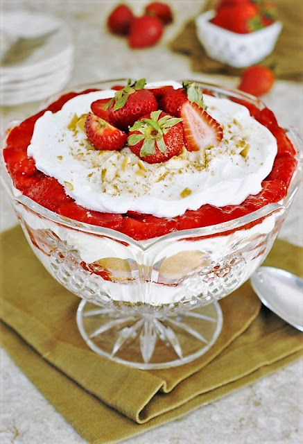 Strawberry Pudding Image ~ Simple glazed strawberries layered with creamy pudding, whipped cream, and vanilla wafers ... just like classic banana pudding, but with strawberries instead. Banana pudding's strawberry cousin!