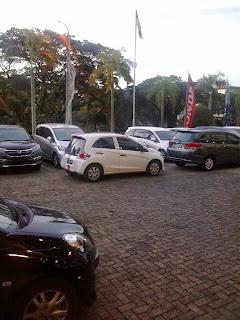 Mobil Honda Brio Di Dealer Mobil Honda Karawang Berwarna Hitam