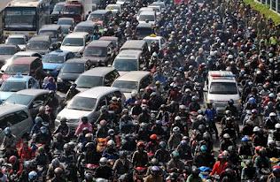 kemacetan dan padat penduduk