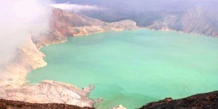 Kawah Ijen di Jawa Timur objek wisata di indonesia beserta keterangannya