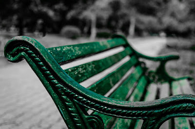 Park bench picture