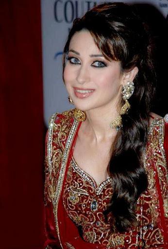 Hot Sexy Girl Karishma Kapoor Wallpapers Photos Hot Pics 1-6643