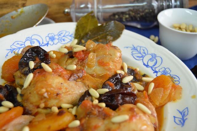 pollo con frutos deshidratados y piñones, recetas con pollo, recetas de pollo, pollo recetas, recetas fáciles de pollo, recetas de pollo fáciles, recetas de pollo en salsa, recetas con pollo en salsa, las delicias de mayte,