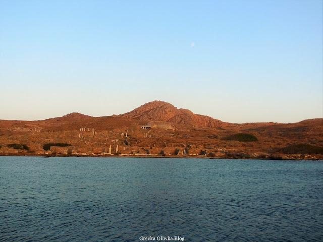 Starożytna Delos w blasku zachodzącego słońca
