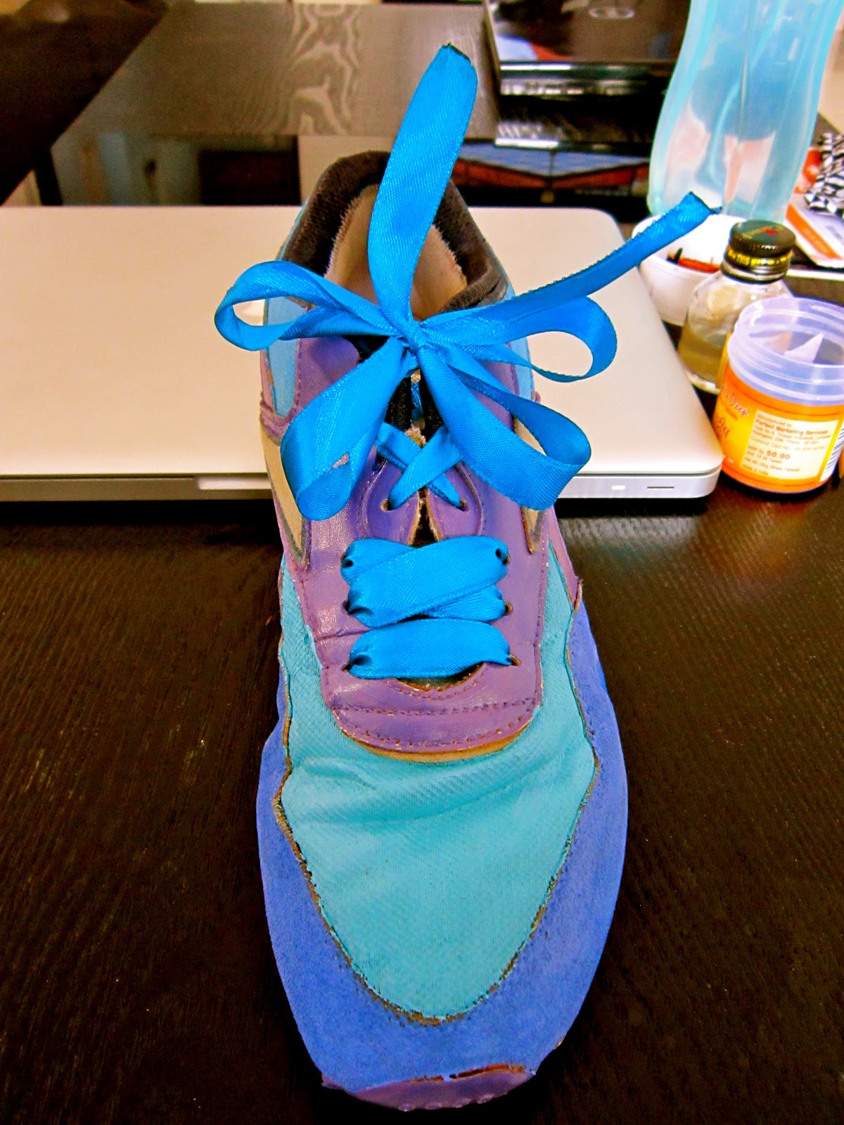 Do Fraying Laces Warrant Shoe Replacement
