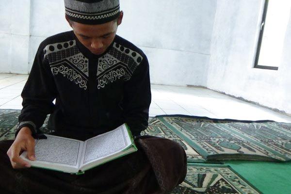 Pelantun Qur'an Banyak Tapi Ulama Berkurang. Benarkah Tanda Akhir Zaman?