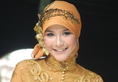 Model Kebaya Muslim Modern Untuk Si Cantik Berhijab