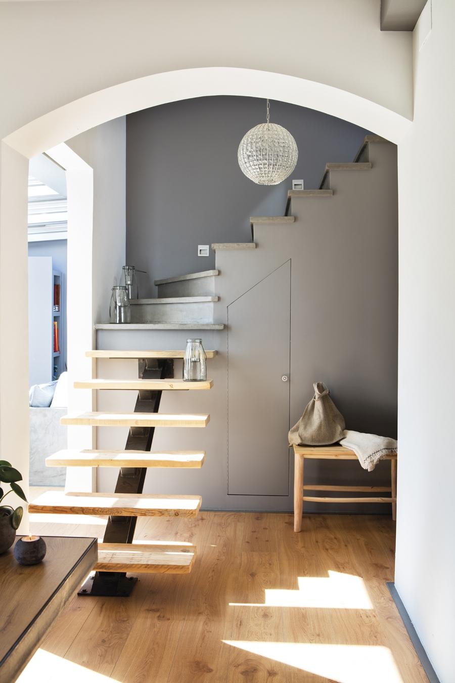 Mieszkanie w skandynawsko - industrialnym stylu, wystrój wnętrz, wnętrza, urządzanie domu, dekoracje wnętrz, aranżacja wnętrz, inspiracje wnętrz,interior design , dom i wnętrze, aranżacja mieszkania, modne wnętrza, styl skandynawski, styl industrialny, schody, industrialne schody, drewniane schody