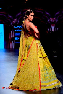 Bollywood Actress Malaika Arora Khan Walks on Ramp at LFW Summer 2017  0020.jpg