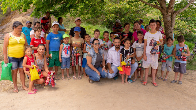 Empresário Ednaldo da Internet realiza festa do Dia das Crianças