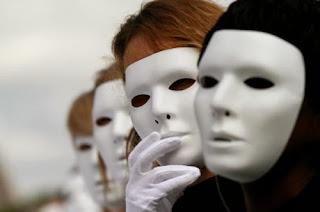 Te£u®i©a¥, filha da Terra: As Muitas Máscaras que Usamos
