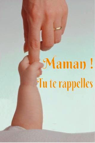 Jeu de main avec bébé, bébé avec sa maman.