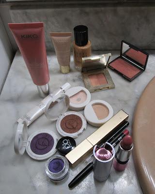 Imagen Productos para el look con delineado morado
