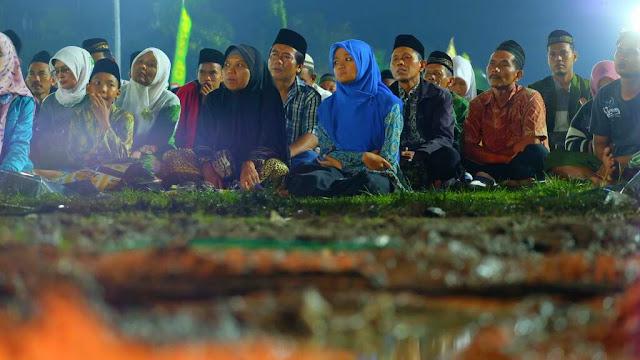 30 ribu Nahdliyyin Ponorogo Ikrar Cinta Kiai dan Cinta NKRI di Alun-alun Ponorogo