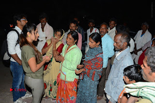 Actress Sri reddy (apthatrust director) Distrubuted Blankets for Orphans at Sai Baba Temple  0041.JPG