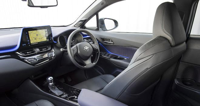 Toyota C-HR front cabin