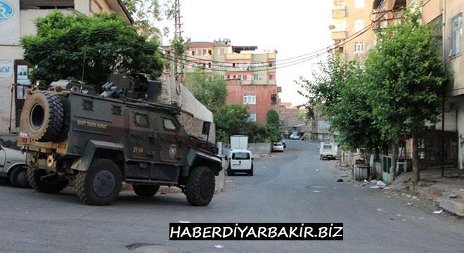 Diyarbakır Yenişehir'de hava destekli şafak operasyonu