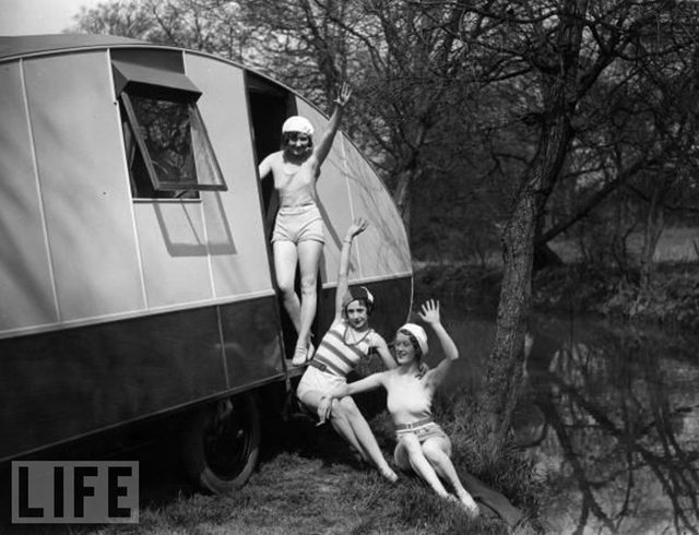 20 Vintage Photos That Show The Golden Age Of Travel Trailers During 1940s And 1950s Everyday