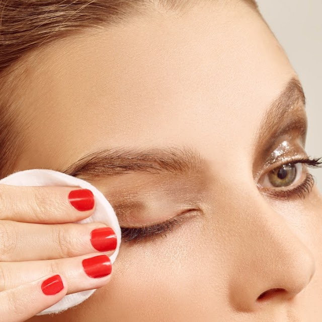 Easy Eye Makeup Removal Tips - Beauty tips Advisors