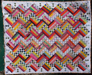 http://patchworkjitka.blogspot.cz/2017/12/life-quilt-no-47-plaid-fence.html