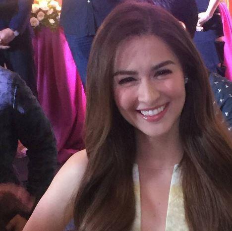 DYOSA: Marian Rivera, Ipinakita Ang Kanyang Dress Na Gawa Ni Michael Cinco! Magkano Kaya Ito?