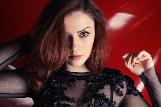 MIDI  KARAOKE -  Annalisa Scarrone