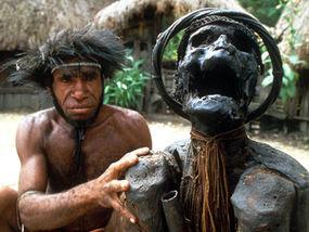 Memilikan, Tiga Suku Kanibal yang Ada di Indonesia