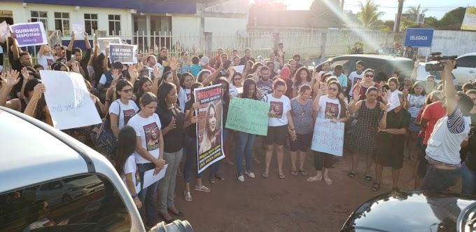 Caso Winglya: Ato público reúne pessoas em frente a delegacia de Itaituba