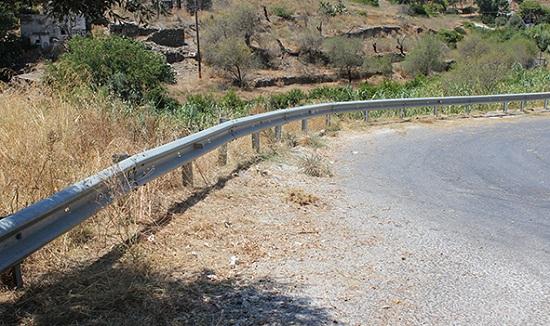 Καθαρίζει το επαρχιακό δίκτυο σε περιοχές της Φαρκαδόνας, της Πύλης και της Καλαμπάκας η Περιφέρεια Θεσσαλίας