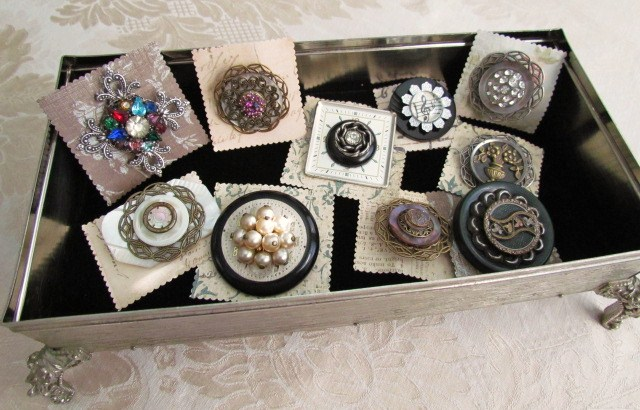 use an old tissue box to display jewelry